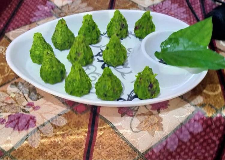 Old Fashioned Dinner Easy Spring Paan coconut modak