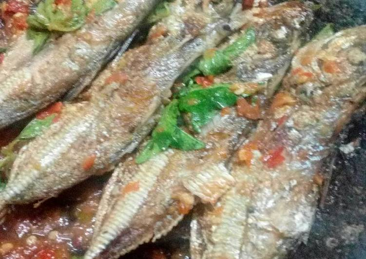 Ikan laut penyet kemangi