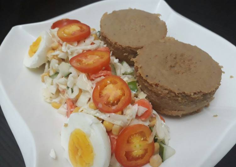 Recipe of Perfect Moi moi with salad and egg
