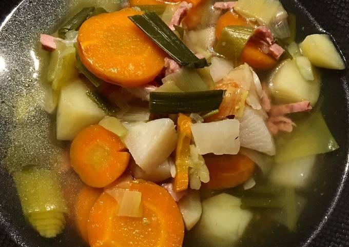 Soupe de légumes aux lardons de bacon