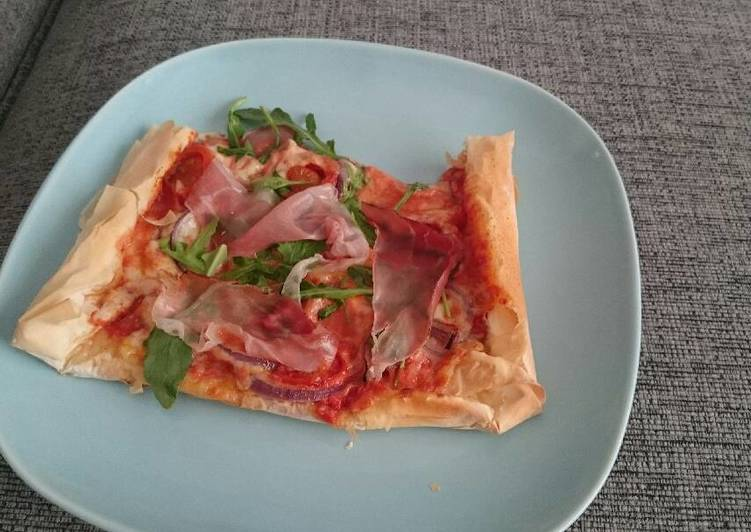 Simple Way to Make Award-winning Prosciutto and Rocket Filo Pizza