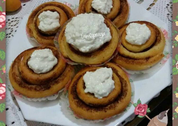 Recipe: Perfect Cinnamon roll with cream cheese