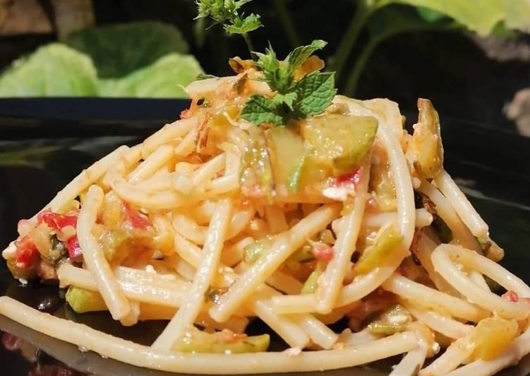 Pasta Zucchine e Pomodori e mandorle tostate 👍😋🤗