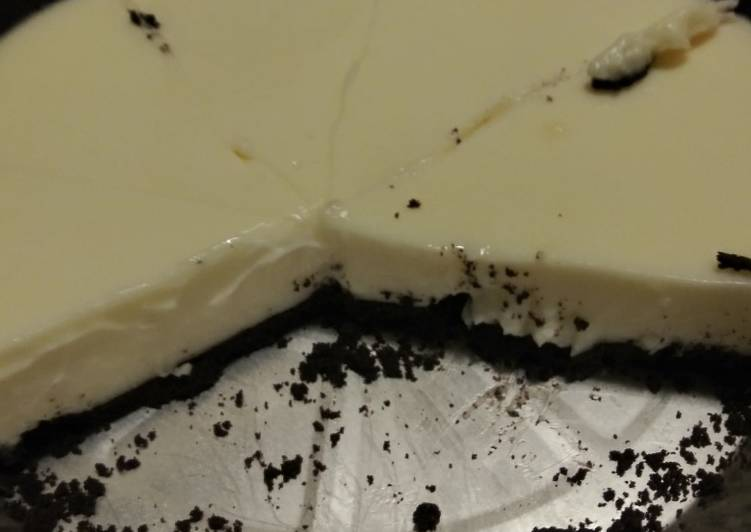 Easy 3 ingredients cookies n cream pie