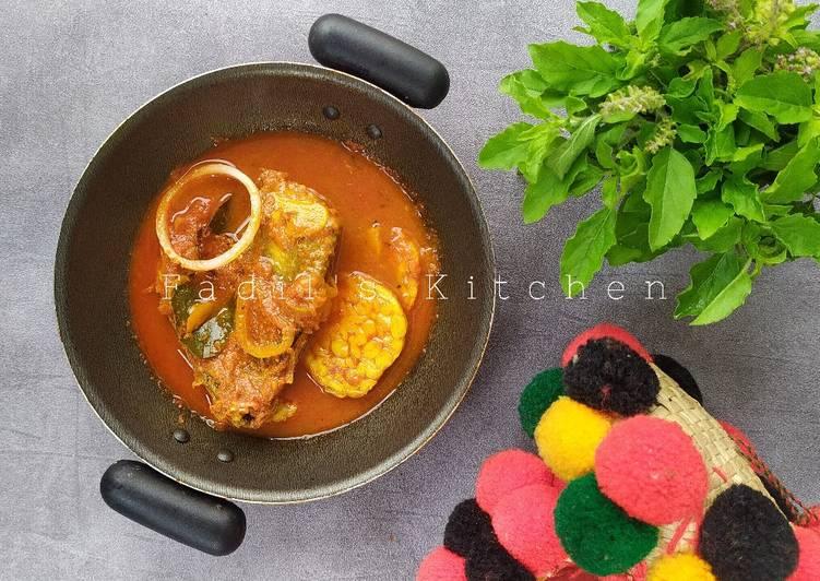 Asam Padeh Kapalo Sisiak (Asam Pedas Kepala Ikan Tongkol Tuna)