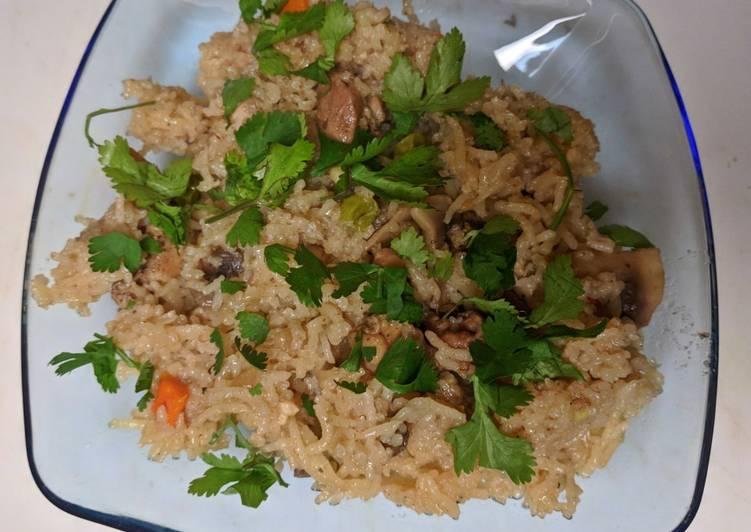 Baked Rice, Chicken and Mushrooms (American biryani)