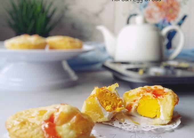 Gyeran Bbang (Korean Egg Bread)