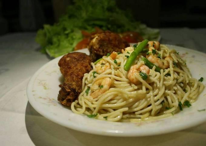 Garlic Shrimp Scampi with Asparagus