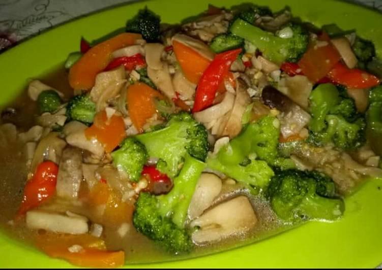 Tumis Jamur Kancing Brokoli Wortel