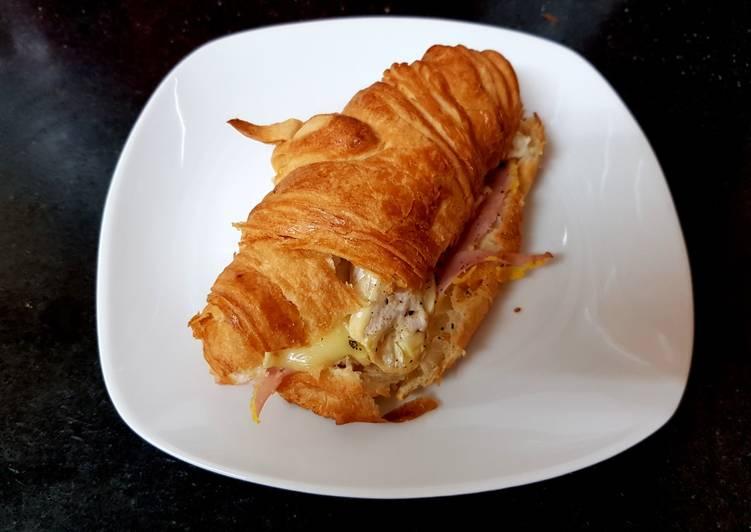 My Ham & cheese Croissants. 🙄