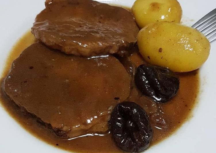 Redondo De Cerdo Relleno En Salsa De Vino Sansón Receta De Hortensia Alvarez Acal Cookpad