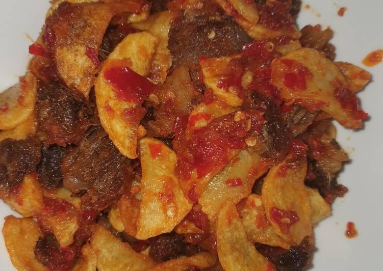 Balado basah daging kentang