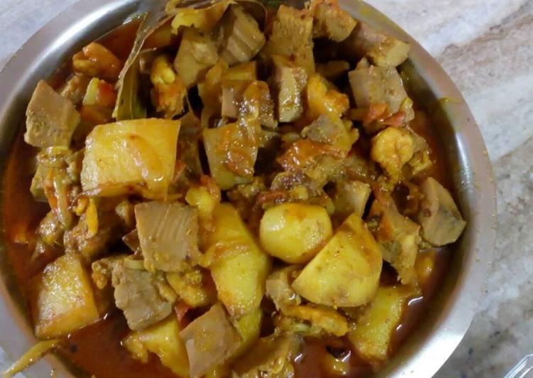 Jackfruit prawn curry