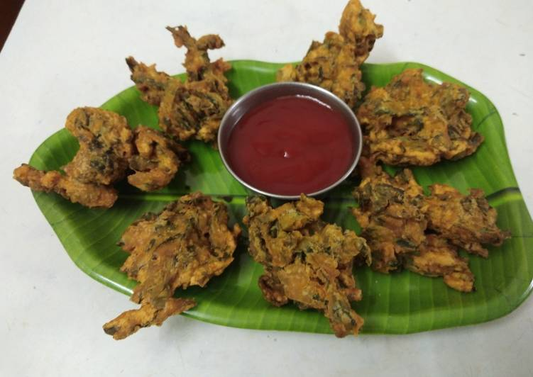 Deciding On The Best Foods May Help You Stay Fit And Also Healthy Crunchy Arbi patta pakoda Aloo patra pakoda