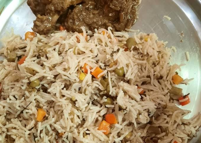 Recipe of Favorite Veg pulao in pressure cooker Indian recipe