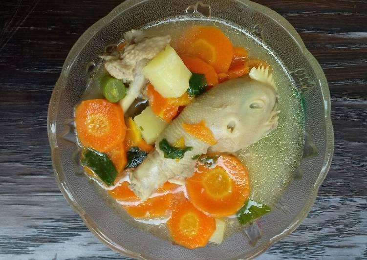 Langkah Mudah untuk Membuat Sup ayam dan kepala anti amis yang Menggugah Selera