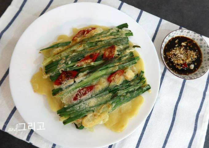 """Three Meals a Day. Fishing Village""delicious Korean Food ""Korean Pancake"" Recipe새우 부추전"