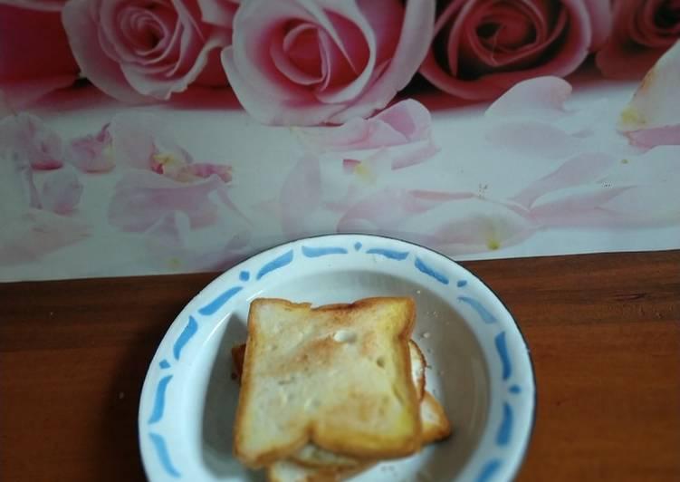 Roti Bakar isi Telur dan Keju