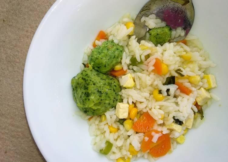Sayur sop sehat bakso ayam bayam