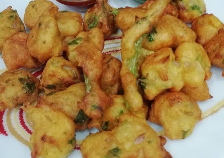 How to Make Quick Moong & Urad dal Pakodi