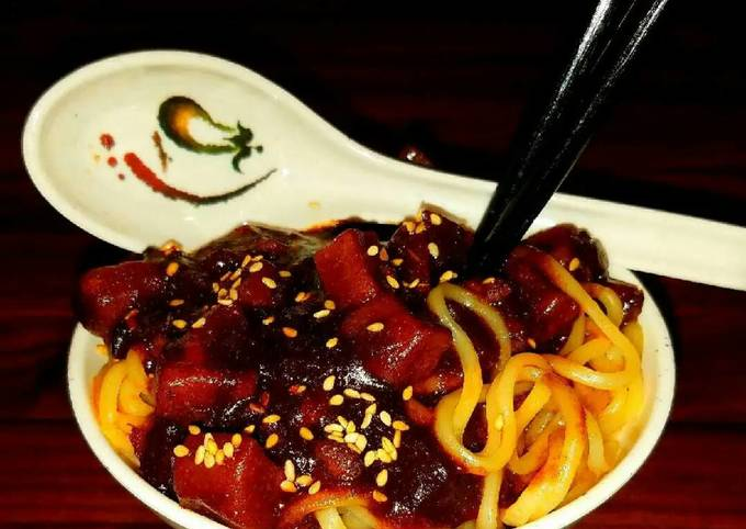 Mike's Korean Noodles [JAJANGMYEON]