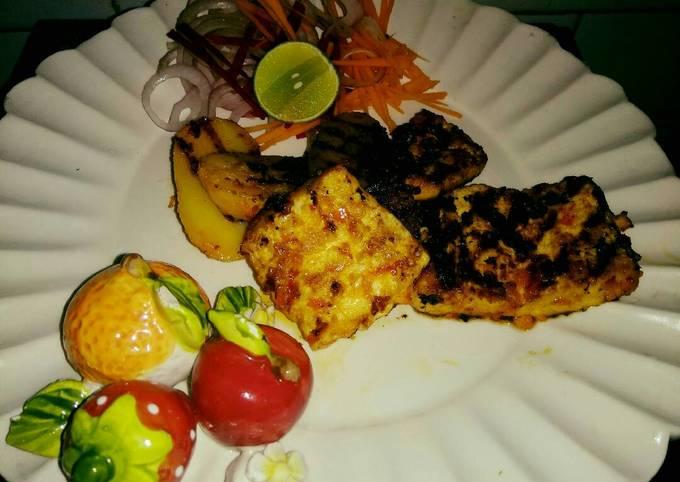 Paprika paneer potato grilled