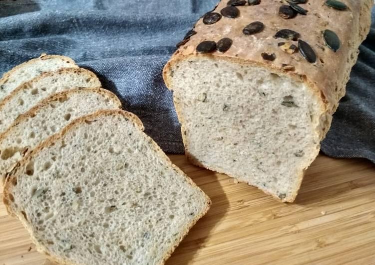 Chleb pszenno żytni z pestkami dyni