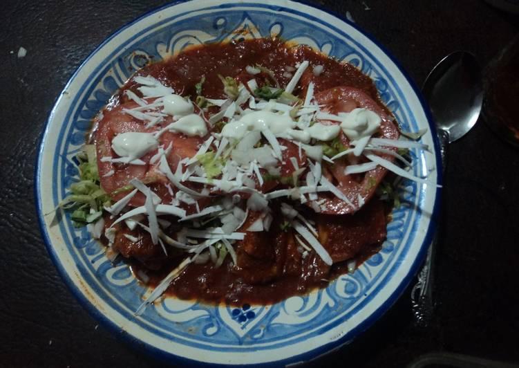 Enchiladas navideñas con salsa de 13 chiles mexicanos estilo ranchero las Correa del Ocote