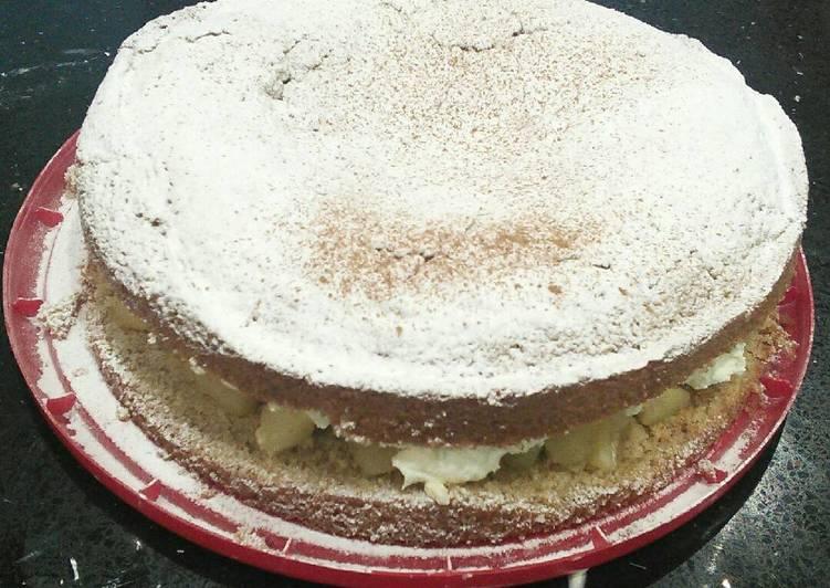 Steps to Make Award-winning Cinnamon and Apple Sponge Cake
