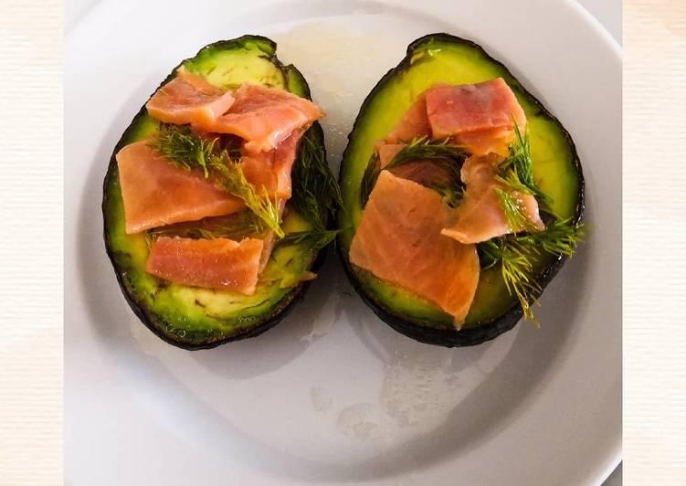 Avocats au saumon et à l'aneth