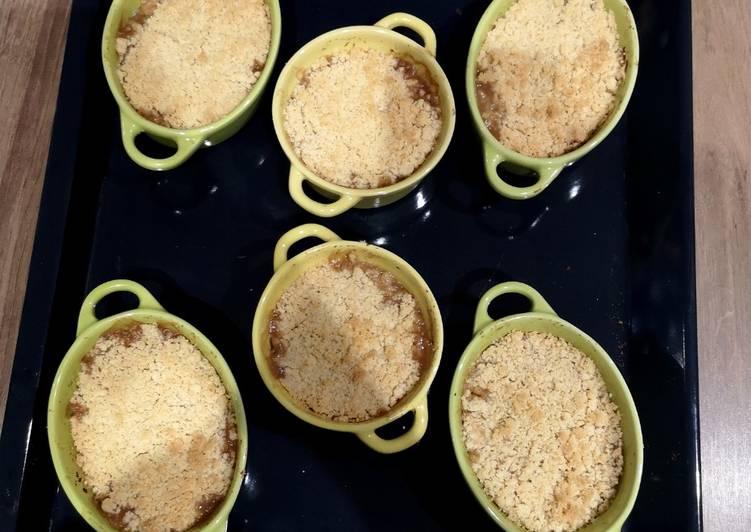 recette Crumble aux pommes le délicieux