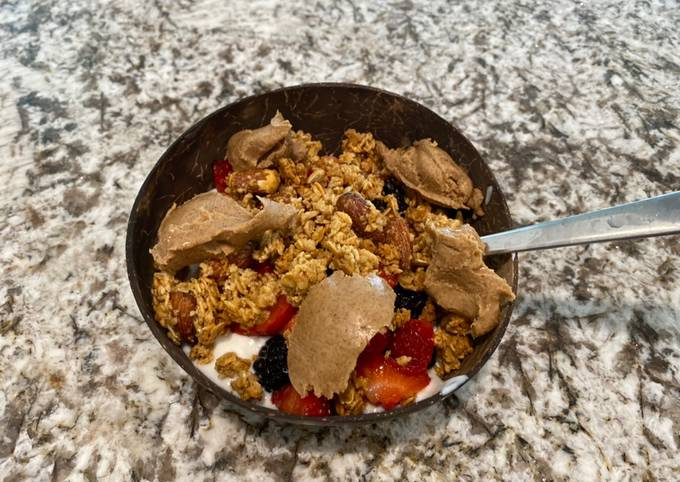 Step-by-Step Guide to Make Perfect Breakfast yogurt