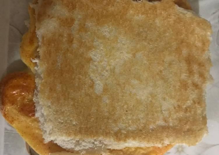 Bread egg cheez sandwich #ramadan