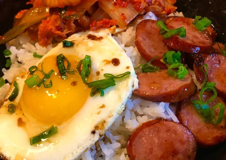 Steamed Rice with Fried Egg, Sausage & Kimchi