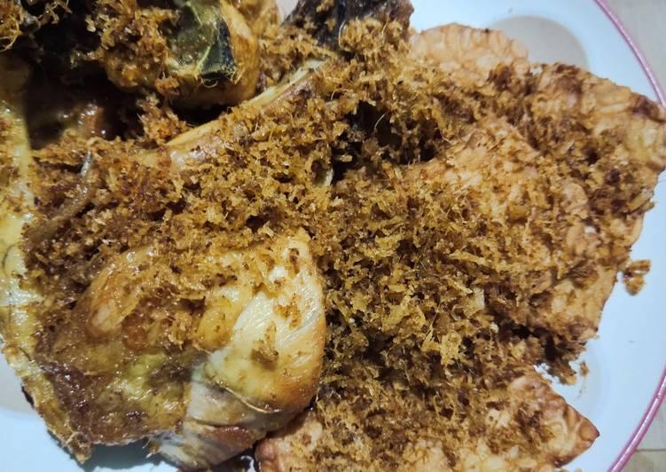 Ayam kampung goreng serundeng kelapa - cookandrecipe.com