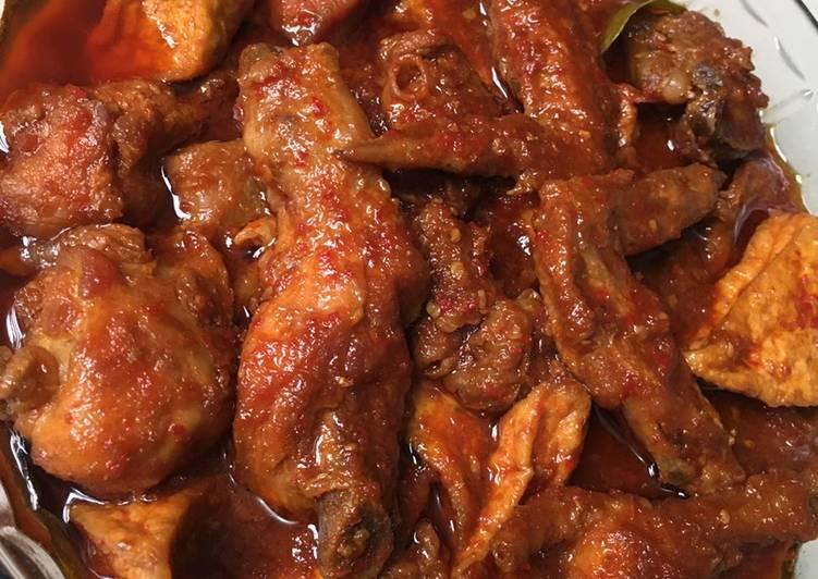 Semur ayam tahu pedas