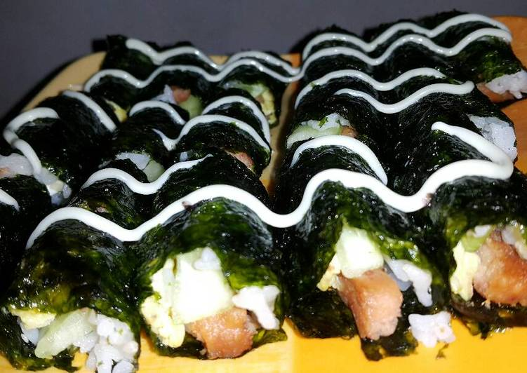 Easiest Way to Prepare Yummy Spam and Egg Sushi Roll