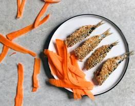 Sardinas con zanahorias y salsa de mostaza Dijon