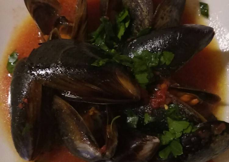 Steps to Make Homemade Mussel and tomato soup