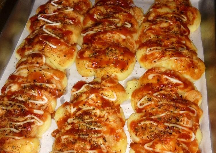 Resep Caterpillar Bread (Roti sosis) Paling Top