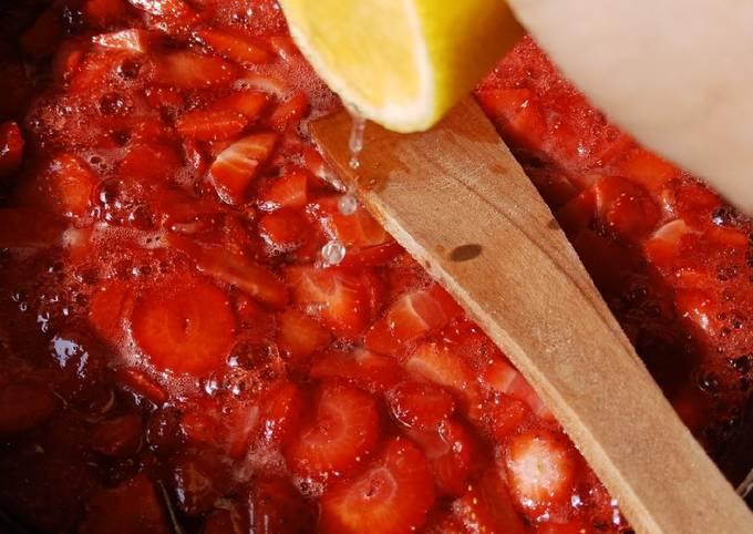 Selai strawberry homemade