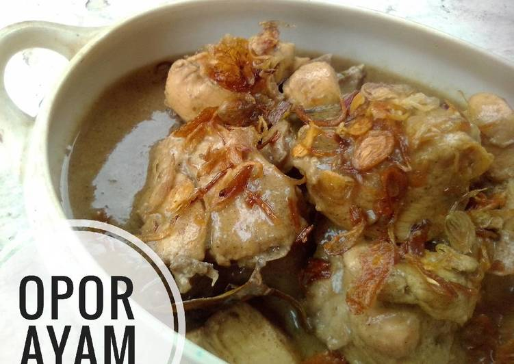 Opor Ayam (putih) #bikinramadanberkesan - cookandrecipe.com