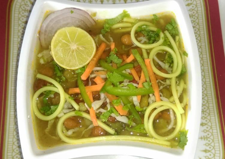 Noodles Thukpa (soup)