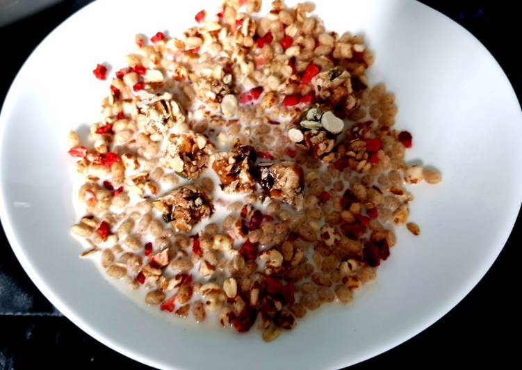 My Granola with dried strawberry and cashew Clusters, Heart Friendly Foods You Should Eat
