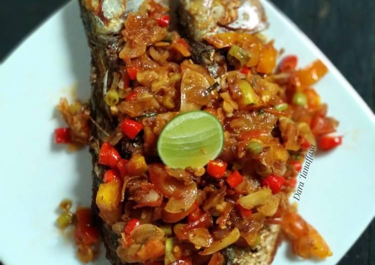 Ikan Peda Goreng Sambal Dabu-Dabu