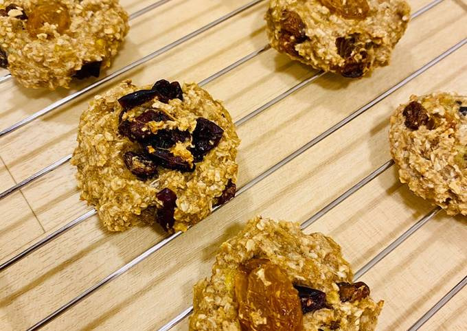 3 Ingredients - Soft and Chewy Oatmeal breakfast cookies