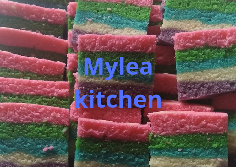 Bolu kukus(Rainbow cake)