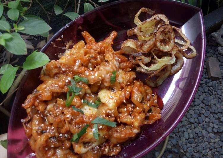 Dakbal (Spicy Chicken Feet Boneless) with fried onion ring