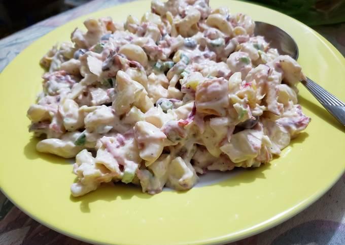 Creamy Chicken Macaroni Salad