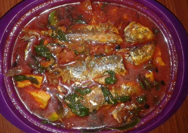 Ikan sarden kuah pedas